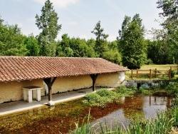 Photo paysage et monuments, Creyssac - Le Lavoir