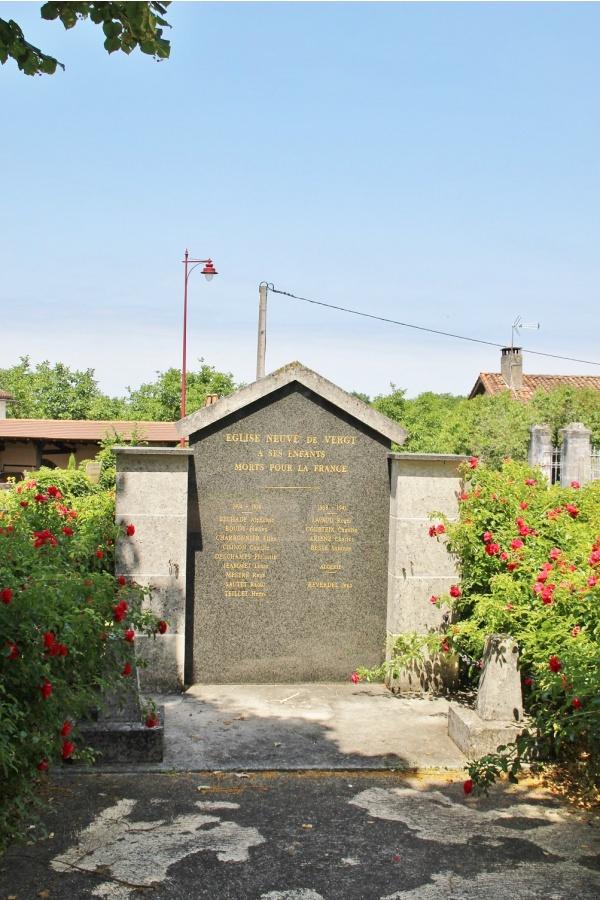 Photo Église-Neuve-de-Vergt - le monument aux morts