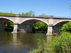 Photo paysage et monuments, Les Eyzies-de-Tayac-Sireuil - le pont