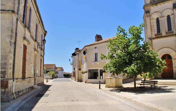Photo Gout-Rossignol - Le Village