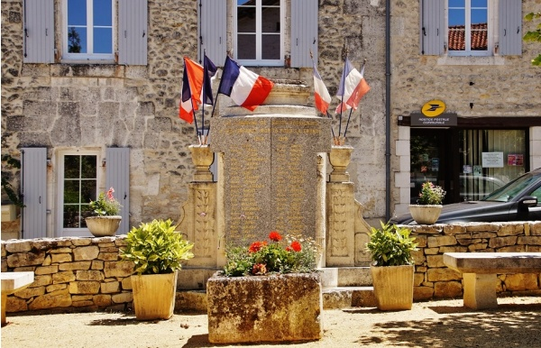 Photo Gout-Rossignol - Monument-aux-Morts