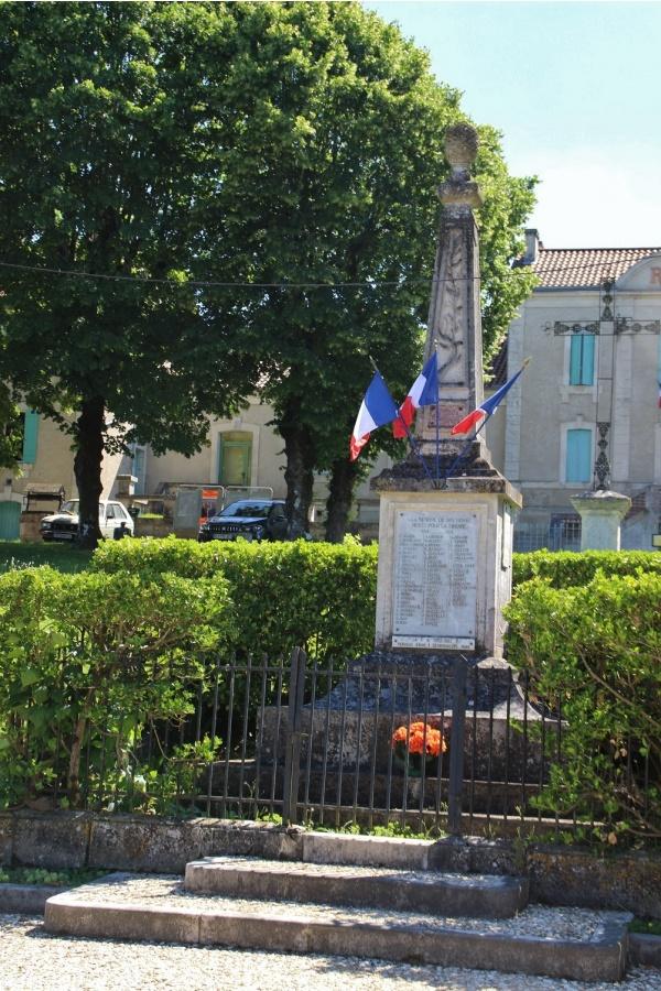 Photo Grand-Brassac - le monument aux morts