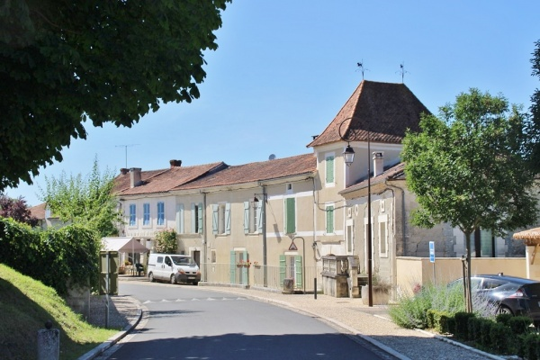 Photo Grand-Brassac - le village
