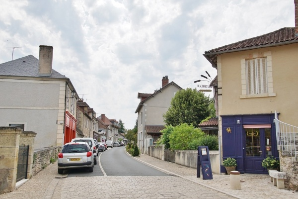 Photo Hautefort - Le Village