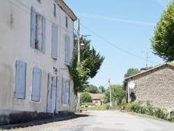 Photo paysage et monuments, Nanteuil-Auriac-de-Bourzac - Le Village