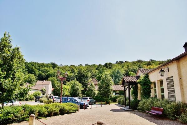 Photo Saint-Laurent-sur-Manoire - le Village