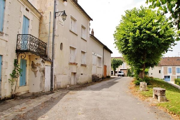 Photo Saint-Méard-de-Drône - le Village