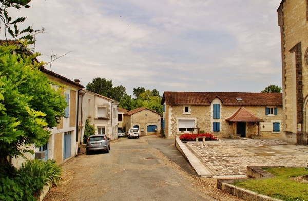 Photo Saint-Méard-de-Drône - le Village