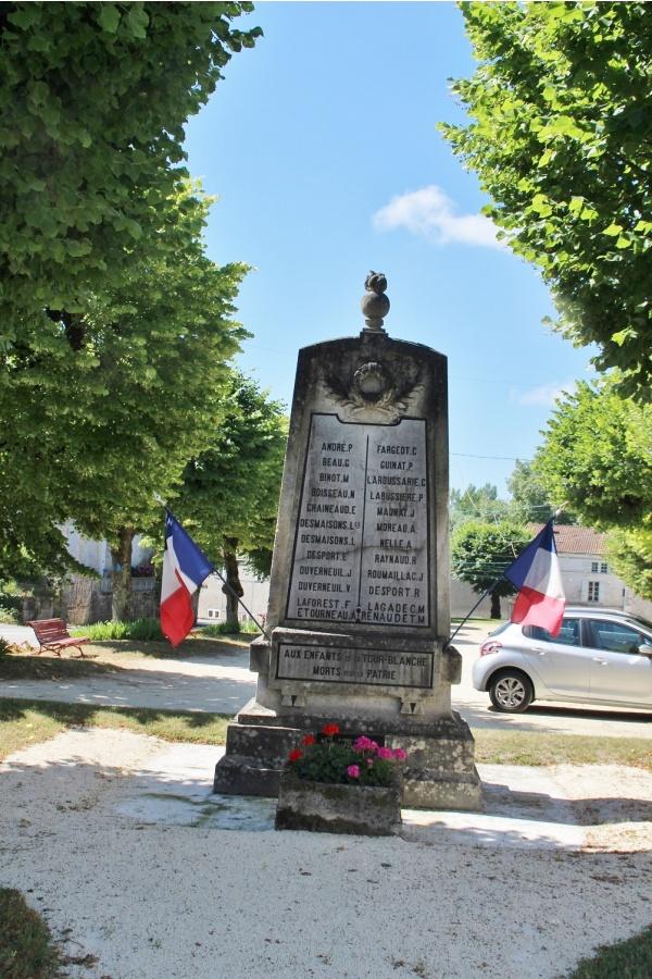 Photo La Tour-Blanche - le monument aux morts
