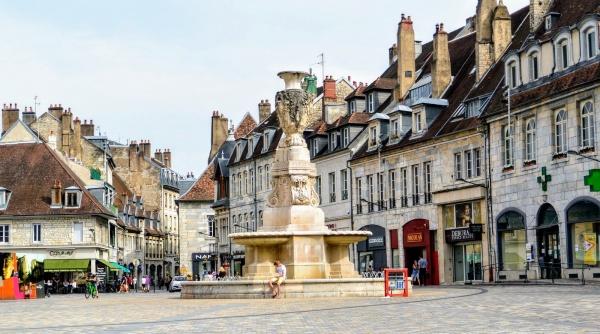 Besançon, Place de la révolution.