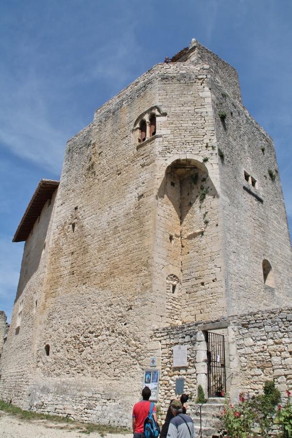 Photo Le Poët-Laval - ruine de la chapelle castrale saint jean  jerusalem