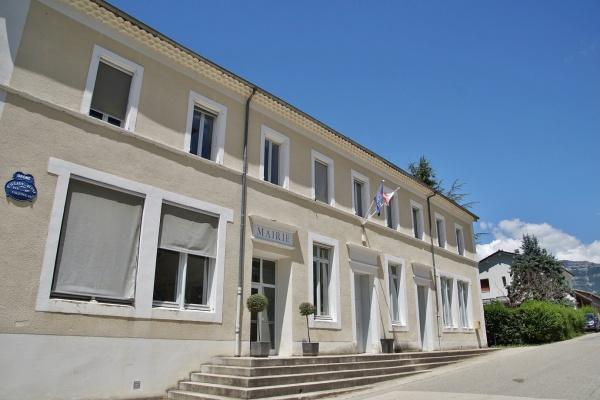 Photo Saint-Julien-en-Quint - la Mairie