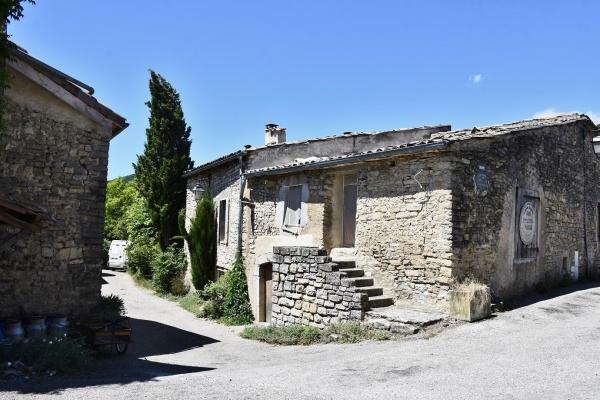 Photo Vachères-en-Quint - le Village