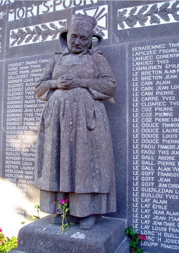 Eglise Saint-Pierre - monument aux morts