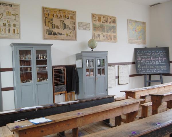 une vue de la salle de classe au musée