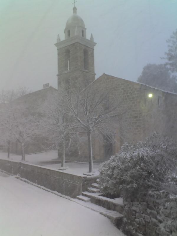 Mela sous la neige