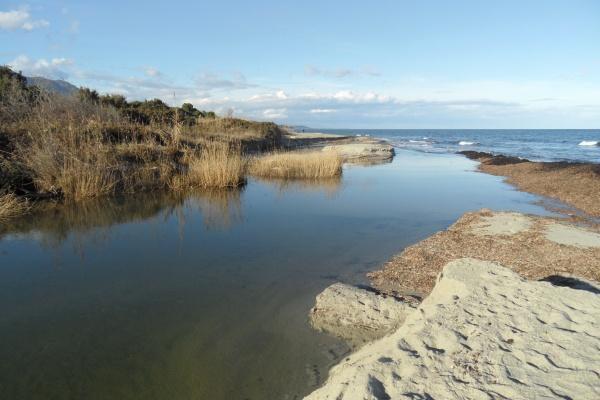 Photo Cervione - Cervione - Bussu se jette dans la mer