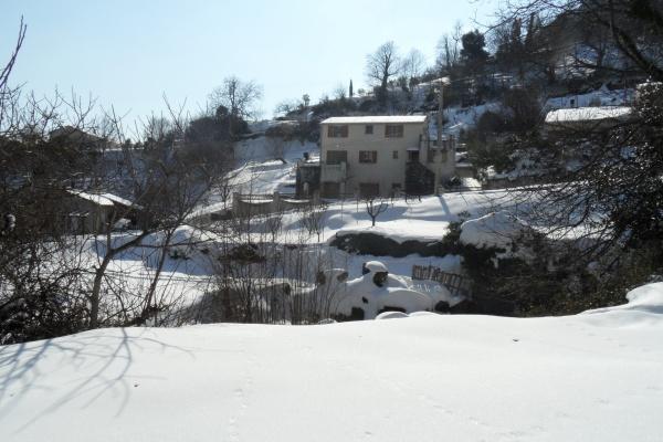Photo Cervione - Cervione toujours sous la neige au 13 fevrier 2012