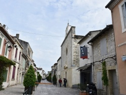 Photo paysage et monuments, Aigues-Mortes - le village