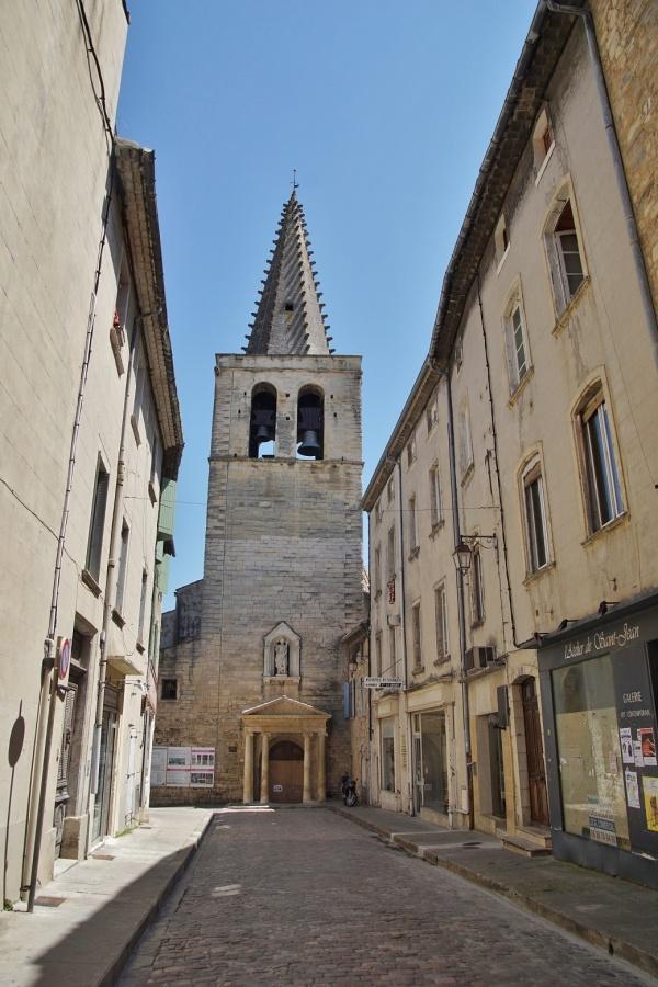 Photo Bagnols-sur-Cèze - église Saint Jean Baptiste