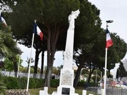 Photo paysage et monuments, Le Grau-du-Roi - le Monument Aux Morts