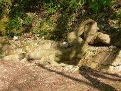 Photo paysage et monuments, Saint-Victor-des-Oules - ne dirait-on pas un ANACONDA se plélassant sur les ruines de l'aqueduc dans la vallée de l'Eure