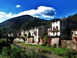 Photo paysage et monuments, Sumène - Sumène au pied des cévennes