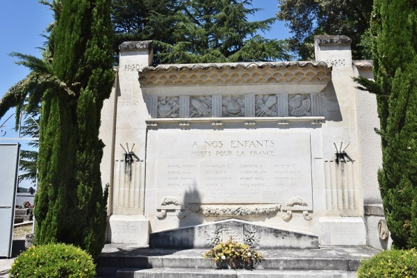 Photo Vénéjan - le Monument Aux Morts