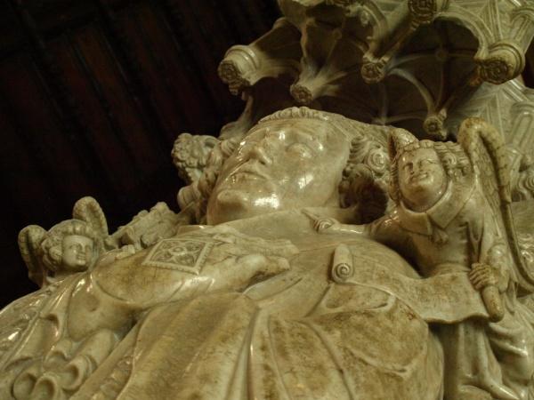 Photo Saint-Bertrand-de-Comminges - Cathédrale Sainte Marie - Tombeau de l'évêque Hugues de Chatillon