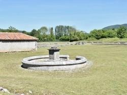 Photo paysage et monuments, Saint-Bertrand-de-Comminges - la Fontaine