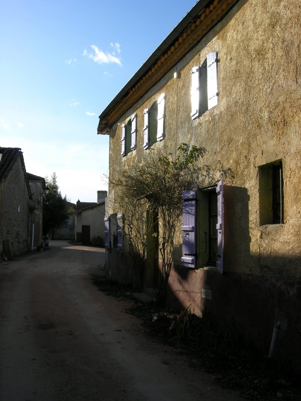 Photo Caillavet - La ruelle du village