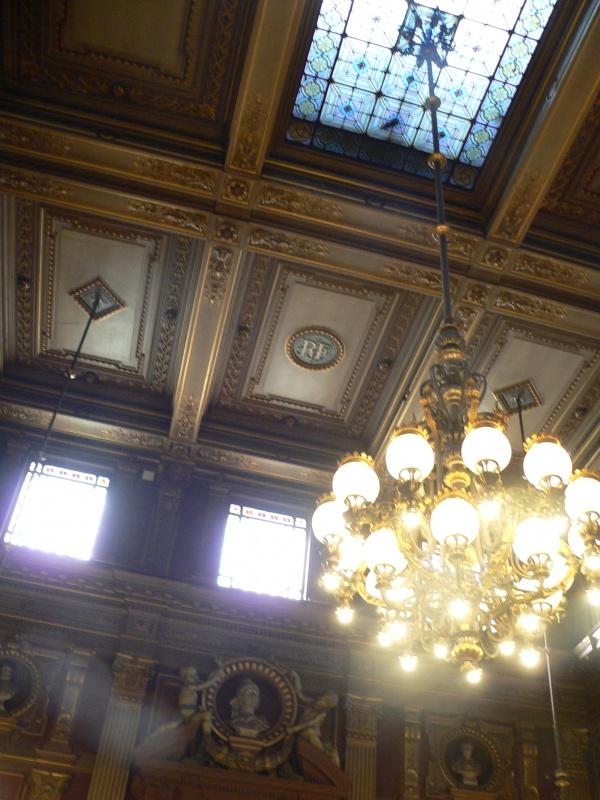 Photo Bordeaux - plafond de la salle des séances du conseil municipal