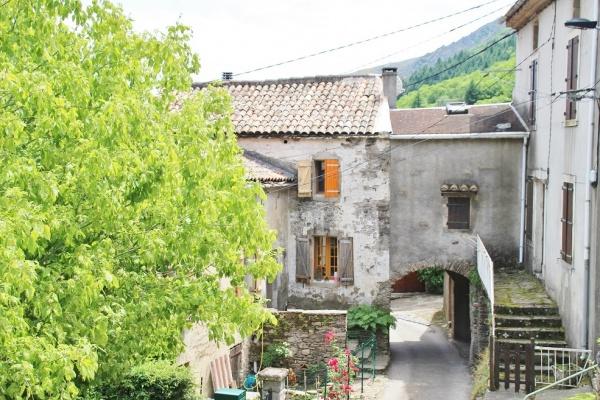 Photo Castanet-le-Haut - le village