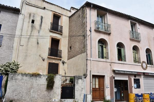 Photo Castelnau-de-Guers - le Village