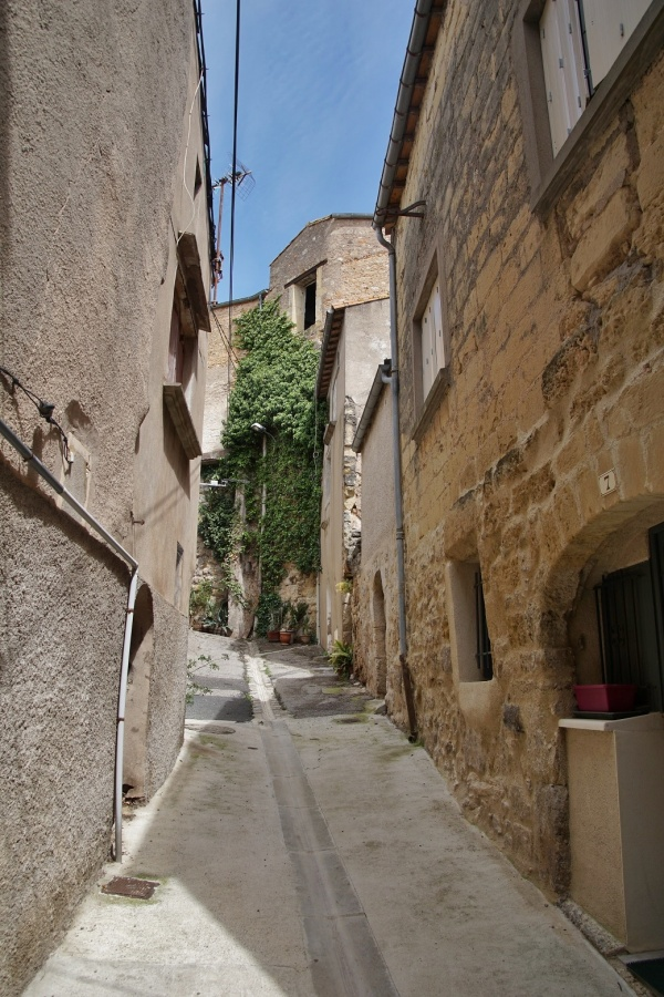 Photo Castelnau-de-Guers - le Village