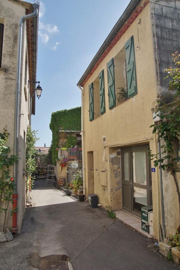 Photo Castries - le Village