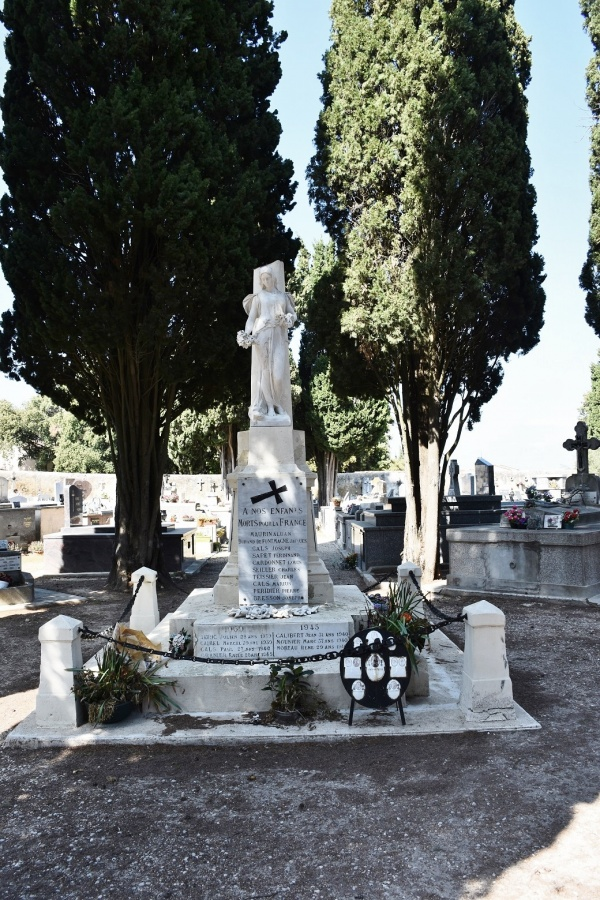 Photo Castries - le Monument Aux Morts