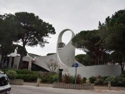Photo paysage et monuments, La Grande-Motte - église Saint Augustin