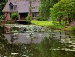 Photo paysage et monuments, Montfort-sur-Meu - le moulin des planches le long du Meu