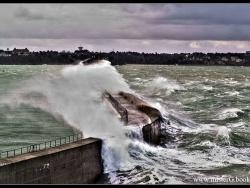 Tempête sur Saint-Malo