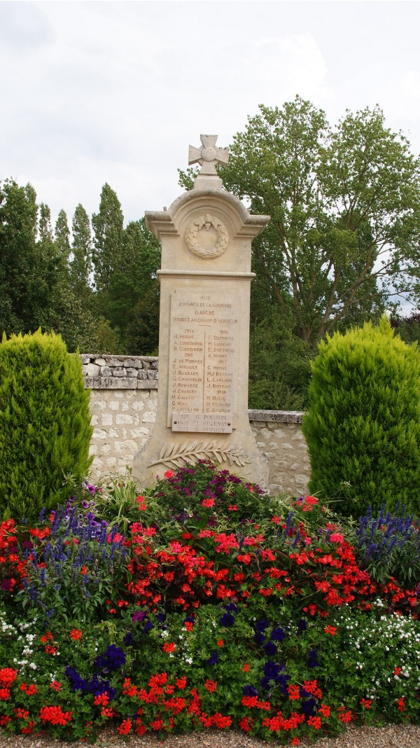 Monuments Aux Morts