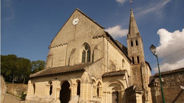 Photo Avon-les-Roches - église Notre Dame