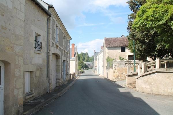 Photo Avon-les-Roches - Le Village
