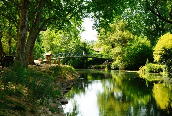 Photo Azay-le-Rideau - Azay le Rideau, bord de l'Indre.