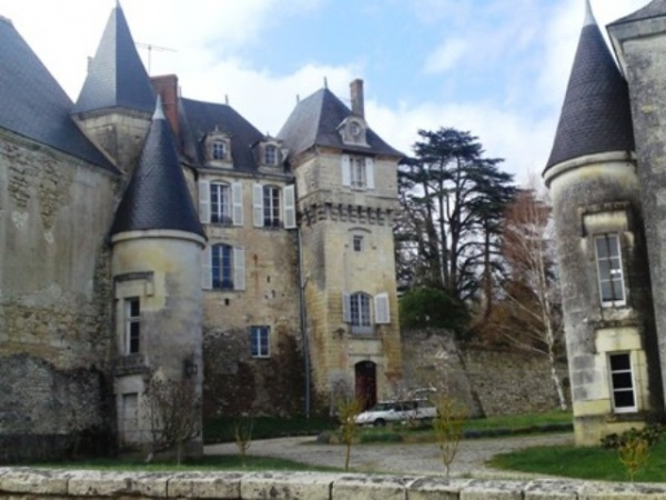 Photo La Celle-Guenand - chateau de la celle guenand