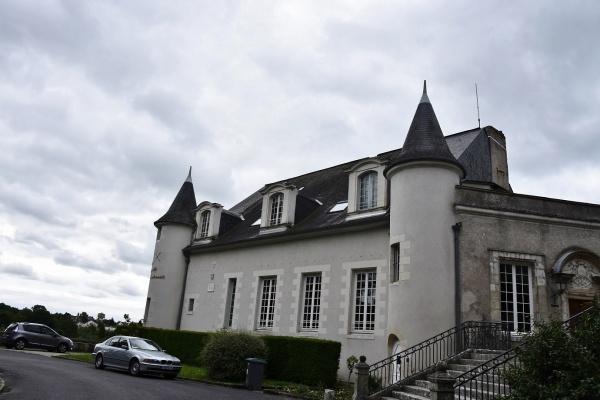 Photo Château-Renault - La Mairie