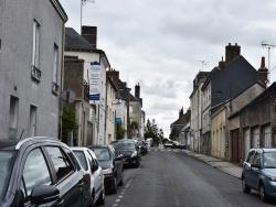 Photo paysage et monuments, Château-Renault - le Village