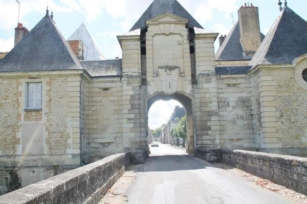 Photo Richelieu - Entrée Fortiée De Richelieu