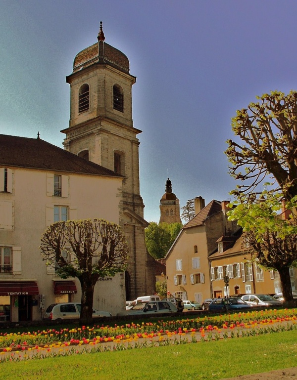 Photo Arbois - Arbois-Jura:clochers.