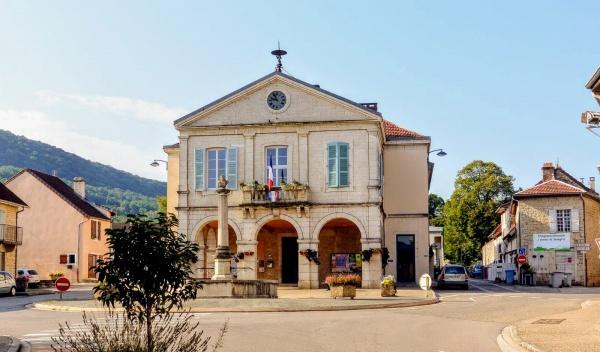 Photo Beaufort - Beaufort Jura. La mairie.